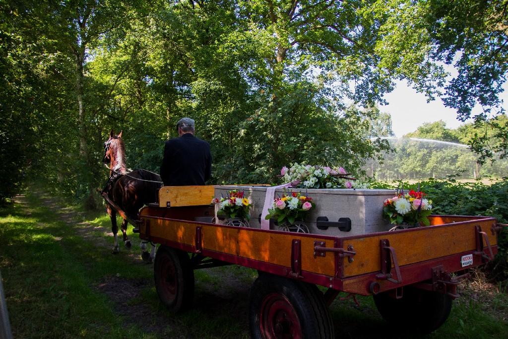 Bandenwagen huren boeren begrafenis soest Detzkyhoeve